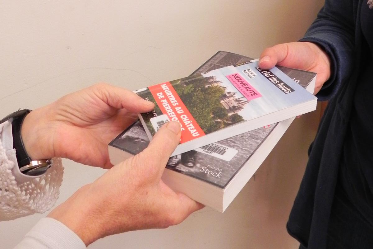 Portage De Livres A Domicile Maintien Action Sociale